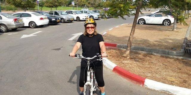 לימוד רכיבה על אופניים בפארק הרצליה למבוגרים